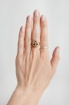 Kawowy manicure, jak go wykonać, krok 1