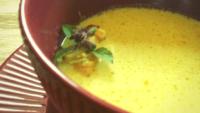 Słodko-pikantna zupa na mleczku kokosowym