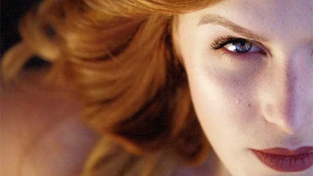 Jak wyglądać młodziej – 6 trików makijażowych